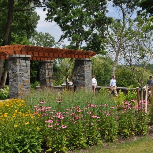 Saratoga lake waterfront park
